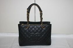 $4K CHANEL CLASSIC CAVIAR LEATHER MATELASSE QUILTED GST SHOPPING BAG GHW