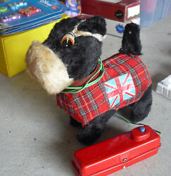 Rare 1950s Linemar Marx Japan Battery Operated Walking British Dog Toy W Remote