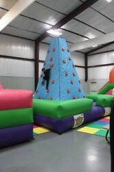 Commercial Inflatable Pyramid Climbing Wall