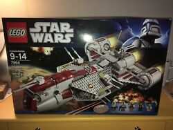 Brand New Lego Star Wars 7964 Republic Frigate From The Clone Wars Quinlan Vos!