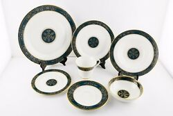 Royal Doulton Carlyle 9 Place Settings And Assorted Serving Pieces