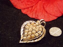 Vintage Brooch large gold tone with pearls simulated in leaf shape