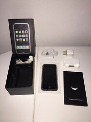 Rare Collectors Apple Iphone 2g 1st Generation 8gb Unlocked Great Condition