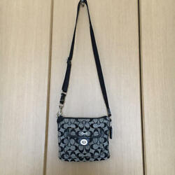 USED COACH mini shoulder free shipping Japan Very popular Famous ladies woman