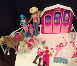 Barbie Horse Riding Stable, Fence,2 Horses, And 3 Dolls In Equestrian Outfits