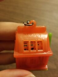 Slot Machine Keychain Made In Hong Kong, Excellent Condition
