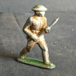 Antique Vintage American Metal Lead Toy Soldier Am9 Charging Port Arms
