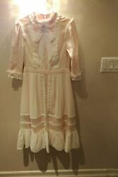Miris New York Pink And White Lace Dream Special Occasion Dress    Size 4.