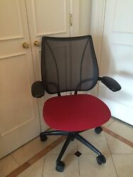 Design Within Reach Adjustable Home Office Desk Chair With Wheels