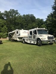 33 Ft KZ Durango Fifth-wheel Camper motor home.  Gently Used. Kept Under Awning