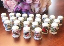 25 Collectible Thimbles Songbirds Of The World 1983 Franklin Porcelain
