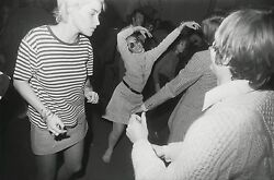 Garry Winogrand Women Are Beautiful C. 1970 / Silver Print / Signed / Gw37