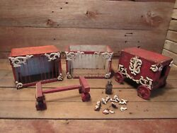Rare Vintage Early 1800's Wooden Circus Toys Wagon Ring Master Trail Wagon Toys