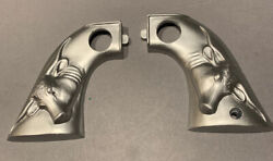 Hubley Cowboy Steerhead Plastic Molded Replacement Silver Toy Gun Grips