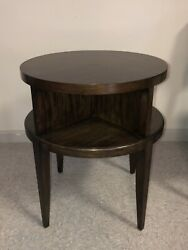Henredon Dean Collection Kinsey Round Accent Side Lamp Table 2303-42-434