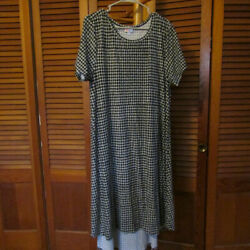 LuLaRoe Large Carly Black and Grey Geometric Design - Only worn Once