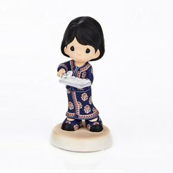 Precious Moments Singapore Airlines Sq Girl 2019 With Towel Tray Limited Edition
