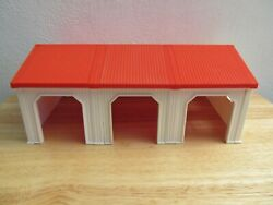 Ertl Farm Country White 3 Bay Livestock Building Shed 1/64th Scale