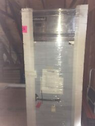 Continental Dl1w 26 Reach-in Heated Holding Cabinet - 1500w
