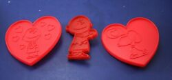 3 Vintage United Feature Cookie Cutters Charlie Brown 1950 And Snoopy/charlie Lrg