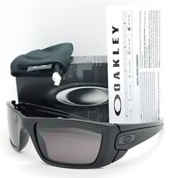 NEW Oakley Sunglasses Fuel Cell Polished Black Warm Grey 9096 01 AUTHENTIC 9096 $91.99