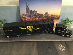 164 Dcp By First Gear Scale Peterbilt 579 72 Mid-roof Sleeper With 53and039 Utility