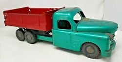 Vintage 1940-50andrsquos Structo Toys Pressed Steel Dump Truck Green Red - All Original