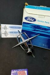 1961 1962 1963 1964 Lincoln Continental Hood Ornament / Emblem Nos New Old Stock