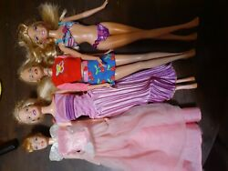 Mattel 1999 Barbie Dolls 4 Dolls With Outfits