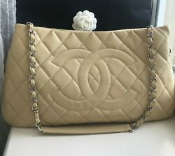 Expandable Zip Around Caviar Beige Leather Tote Bag