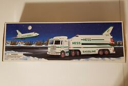 Vintage Hess Trucks 1999 Truck And Space Shuttle With Satellite Set Brand New