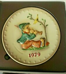 M. J. Hummel Annual Plate Goebel Hum 1979 Signing Lessons With Box