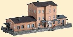 Piko N Scale Burgstadt Station Building Kit | Bn | 60023