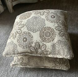 2 Couch Pillows With Inserts