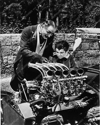 8662-22 Al Lewis Butch Patrick Check Out George Barris Munster-mobile Engine 866