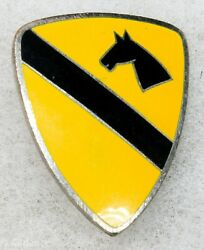 Us Ww2 Japanese Made 1st Cavalry Division Occupation Di Dui Pin Insignia M414