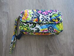 Vera Bradley All in One Wristlet for iPhone 6 Rio $16.00