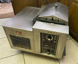 Blue M Constant Temperature Shaking Heated / Refrigerated Water Bath Msb-3222a-1