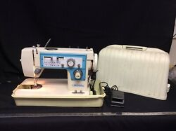 Vintage Dressmaker 7000 Sewing Machine With Carrying Case. For Parts Or Repair