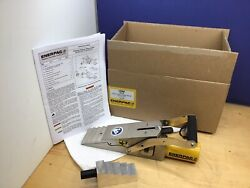Enerpac Lw-16 Hydraulic Vertical Lifting Wedge 16 Ton 2.72 Spread 10000psi New