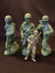 Lot Vtg Blow Mold Military Army Men Soldier Figures Parachute Jumper Toy