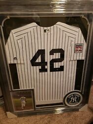 Mariano Rivera Signed Jersey And Picture-framed