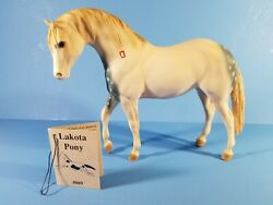 Breyer #869 Lakota Pony War Party Leader symbol