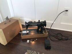 Vintage Singer Sewing Machine Simanco Usa 125255 With Case Pedal Works Great