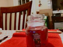 Yankee Jar Candle Red Apple Wreath New 14.5 oz
