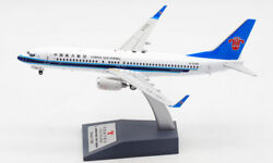 1200 Aviation China Southern Boeing 737-800 Passenger Airplane Diecast Model