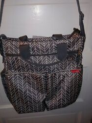 Skip Hop Messenger Diaper Bag w Matching Changing Pad Gray Baby Trendy Modern $17.50