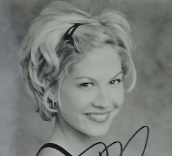 Jenna Elfman Original Bandw Autographed Picture Television Star Dharma And Greg