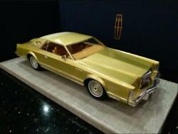 1/18 Model Car Lincoln Continental Mark V Gold Brand New Fedex