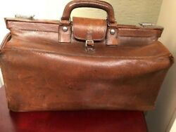 Vintage Mark Cross Leather Doctor#x27;s Gladstone Bag Two Handles made in England $850.00